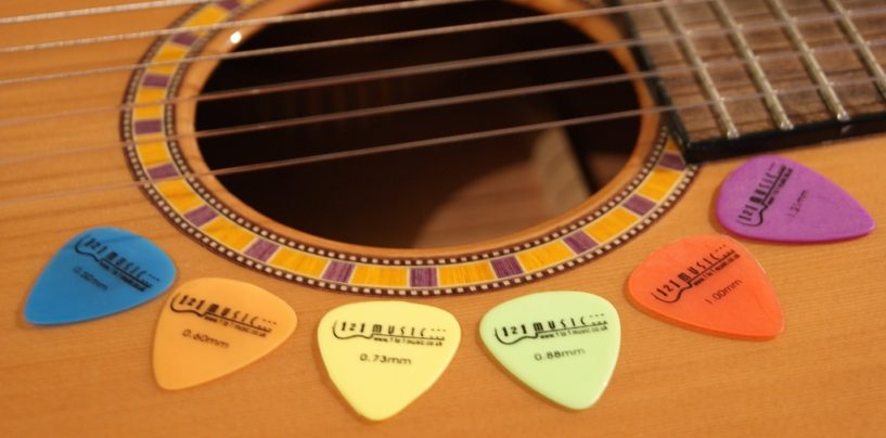 Choosing The Right Guitar Pick